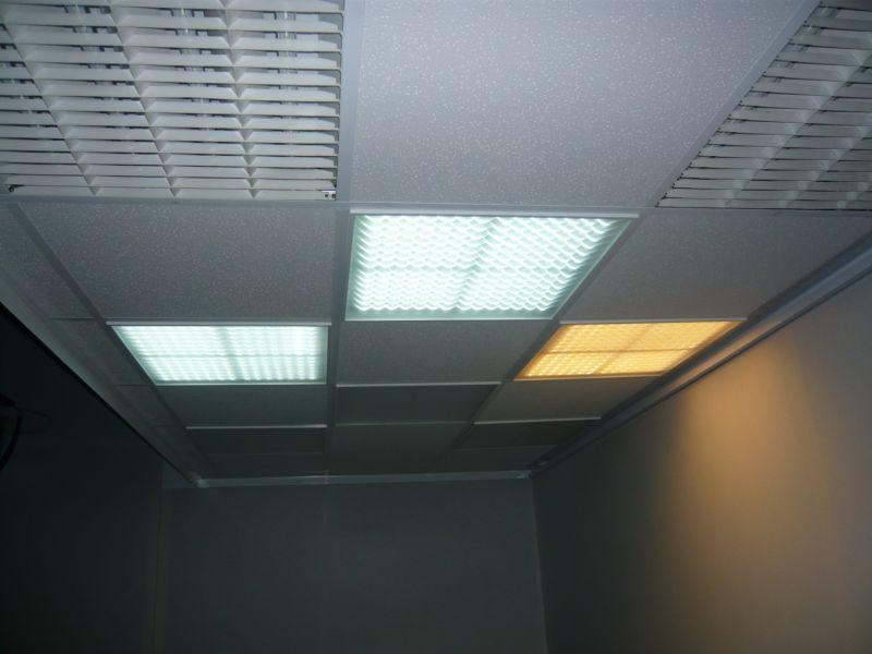 dalles d 39 clairage leds pour faux plafonds enseignes lumineuses leds signal tique. Black Bedroom Furniture Sets. Home Design Ideas